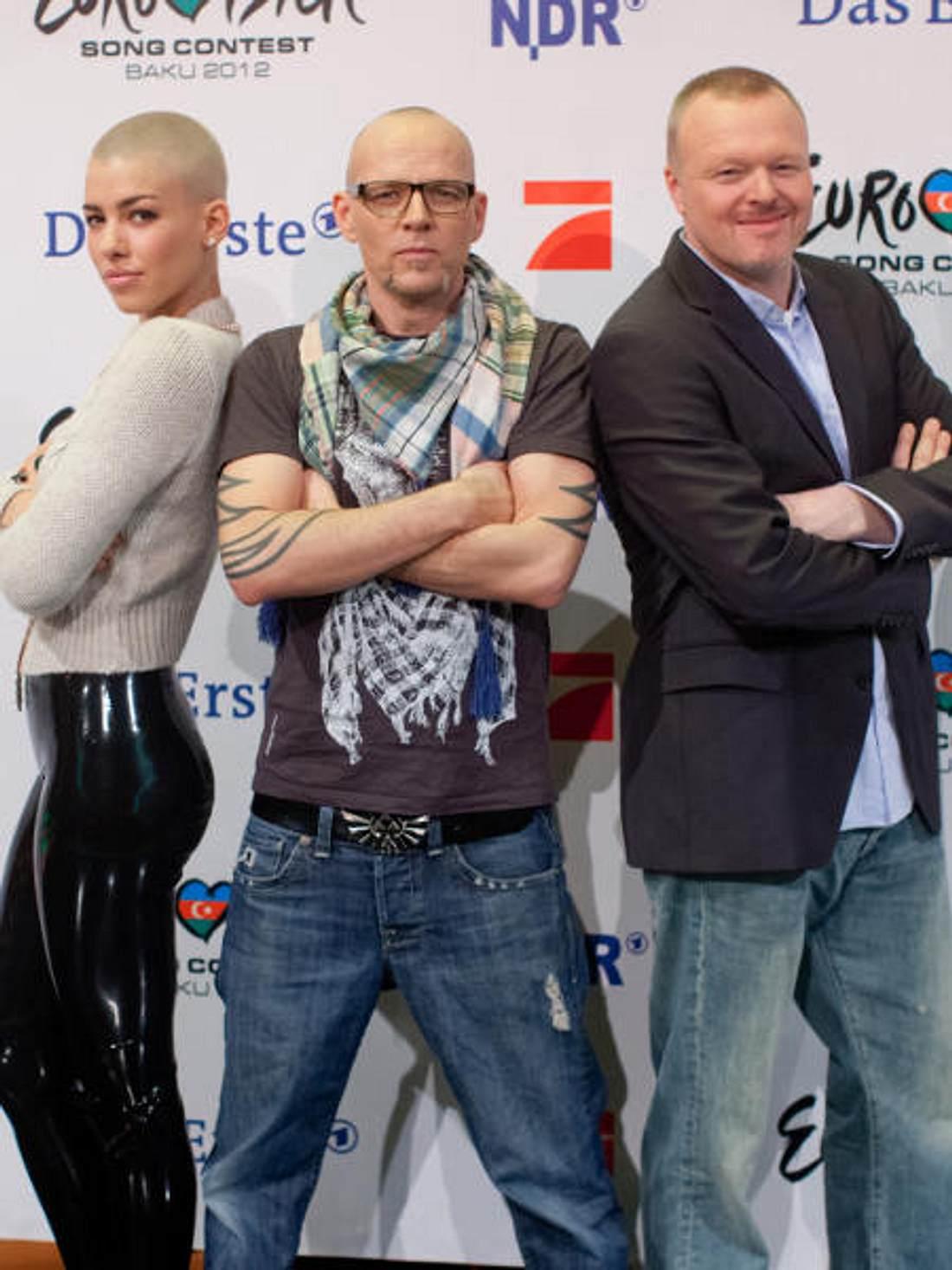 """Die Jury von """"Unser Star für Baku"""": Alina Süggeler (Sängerin von """"Frida Gold""""), Thomas D (""""Die Fantastischen Vier"""") und natürlich Stefan Raab (v. l. n. r.)"""