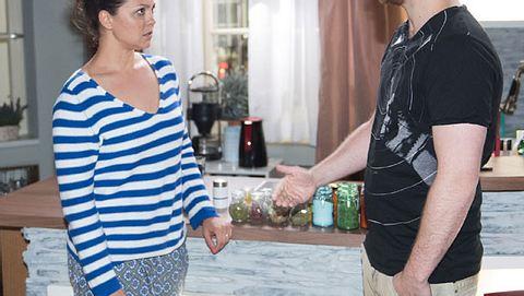 Unter Uns: Bekommen Caro und Tobias ein Baby? - Foto: RTL / Stefan Behrens