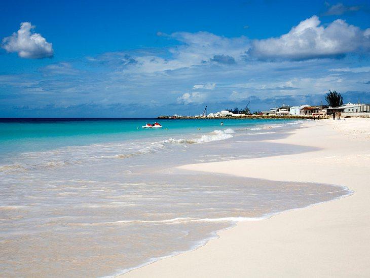 Urlaubsziele der StarsBarbados: Kilometerlange Sandstrände, herrliches Wetter und ein Extra-Portion karibisches Lebensgefühl. Außerdem lockt uns eine berühmte Einheimische im Sommer auf die Trauminsel...