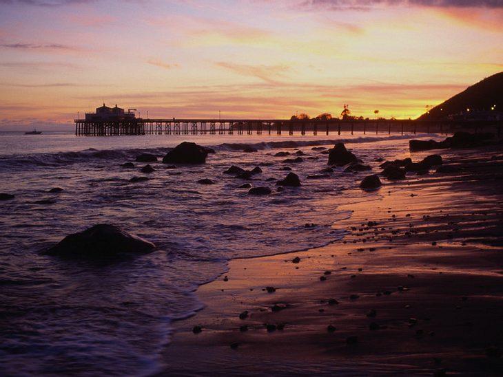 ,Urlaubsziele der StarsStarrummel gefällig? Dann auf nach Malibu, am Strand tummeln sich hier nämlich...