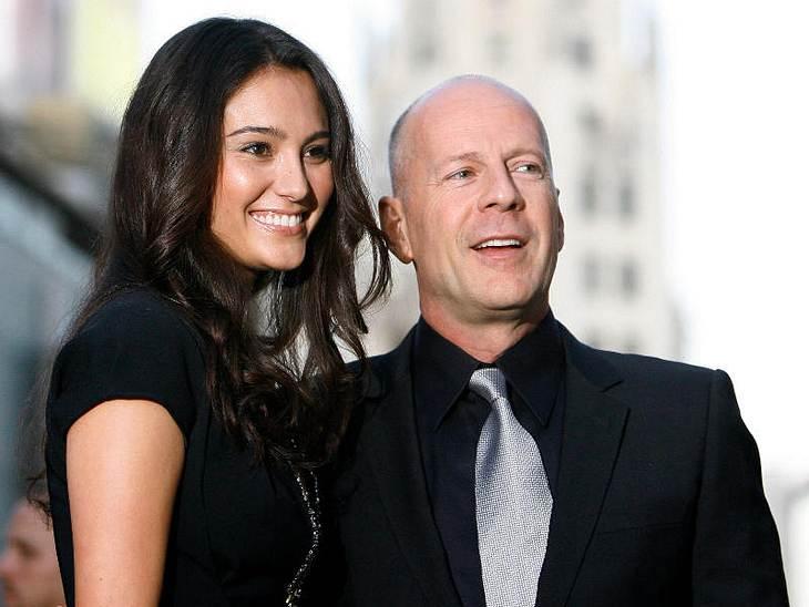 ,Urlaubsziele der StarsDie traute Zweisamkeit der Inselgruppe wissen auch  Bruce Willis und seine Emma zu schätzen. 2008 heiratete der Actionheld die 20 Jahre Jüngere sogar auf seiner Privatinsel Parrot Cay.