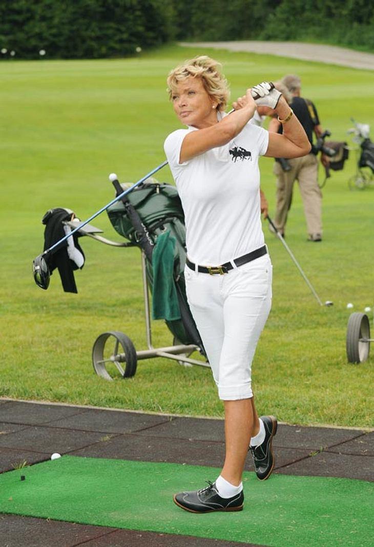 Uschi Glas bei einem Golfspiel des Bavaria Film Cup.
