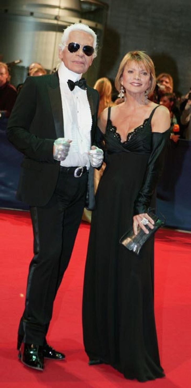 Uschi Glas neben Karl Lagerfeld beim Bambi Award 2006.