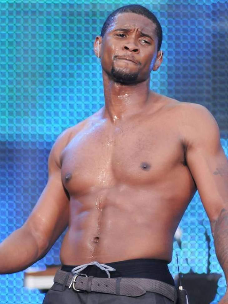 Stars nackt: Heiße Promi-Männer oben ohneTanzen macht ja bekanntlich knackig, bei  Usher funktioniert das auf jeden Fall.
