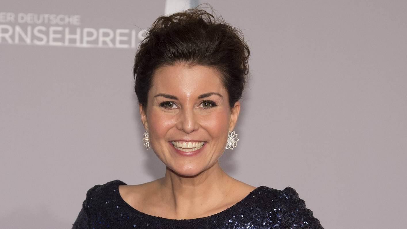 Vanessa Blumhagen solo beim Deutschen Fernsehpreis