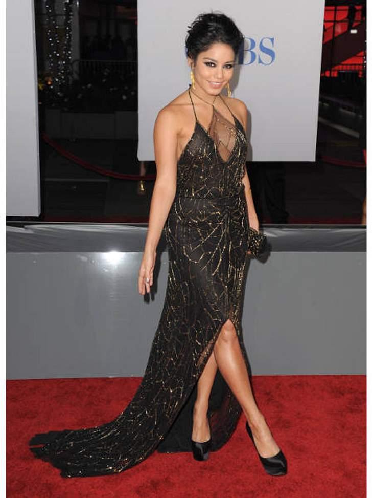 """Die Stars lieben Vokuhila-KleiderAuch Vanessa Hudgens (23) ist ein Vokuhila-Fan: Sie wählte für die """"People's Choice Awards"""" allerdings ein eher zurückhalteneres Exemplar mit leichtem Beinschlitz und eleganter Schleppe."""