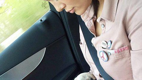 Vanessa Fuchs mit ihrem neuen Hund Bella - Foto: Facebook/ Vanessa Fuchs