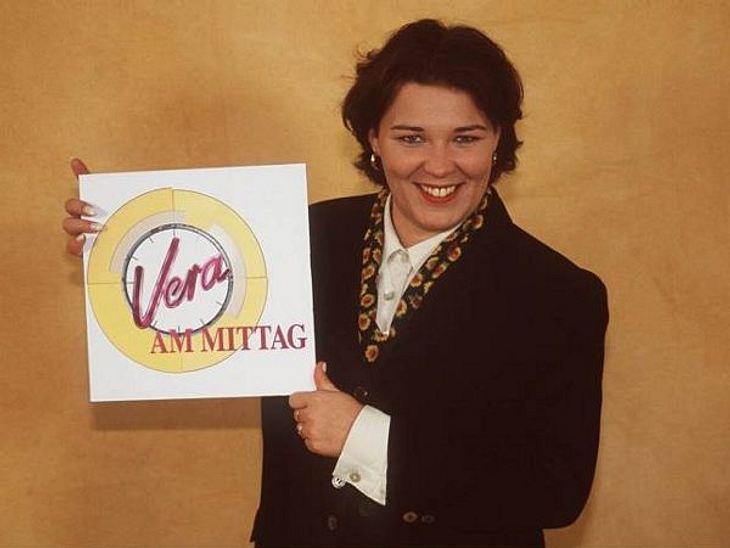 """Die Talkshow-Moderatoren der 90er""""Vera am Mittag"""" war eine der trashigsten Talkshows im deutschen Fernsehen. Kein Wunder, dass Vera Int-Veen nach dem Aus 2006 ähnlich trashig weitermacht. Mit """"Schwiegertochter gesucht"""","""