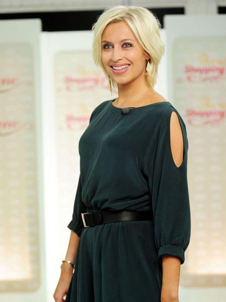 """Verena Kerth zeigte sich als Luxus-Tussi bei """"Promi Shopping-Queen"""""""