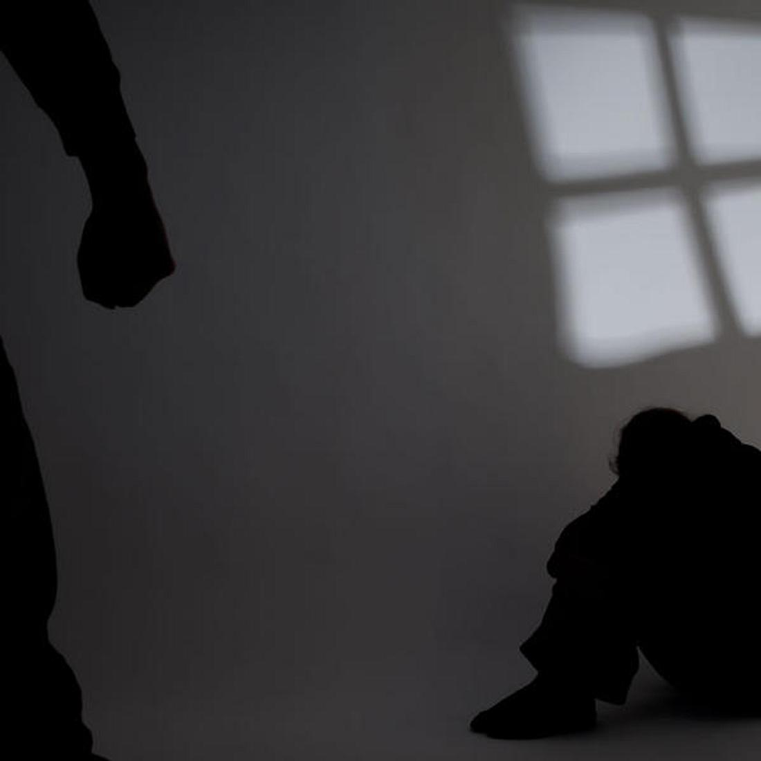 Sie wurde 10 Jahre lang vergewaltigt und geschlagen