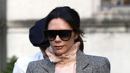 Klau den Look von Victoria Beckham! - Foto: Getty Images