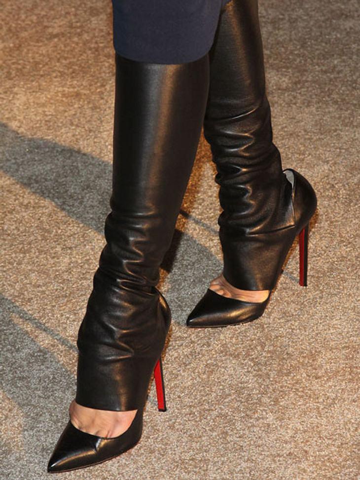 Stars: Zeigt her eure Füße!Holla, die Waldfee. Leder, Leder, Leder. Die Designerin weiß, wie man auffällt.