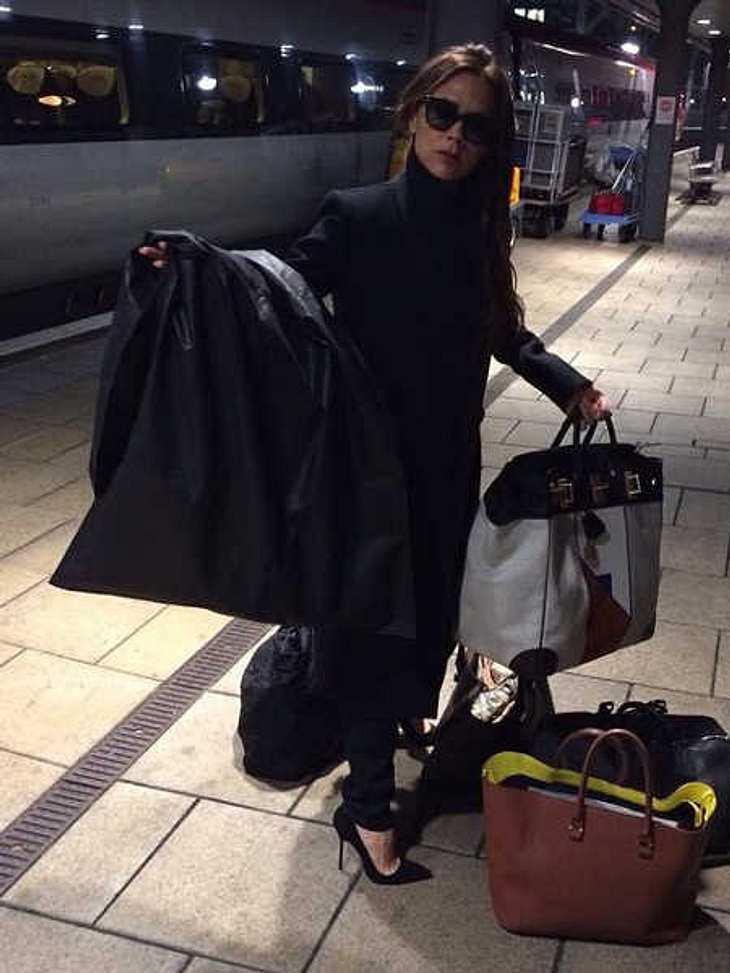Nanu? Victoria Beckham mit öffentlichen Verkehrsmitteln unterwegs?