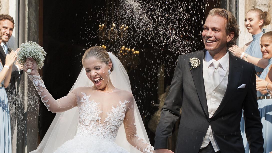 Victoria Swarovski in ihrem weißen Hochzeitskleid - Foto: Getty Images