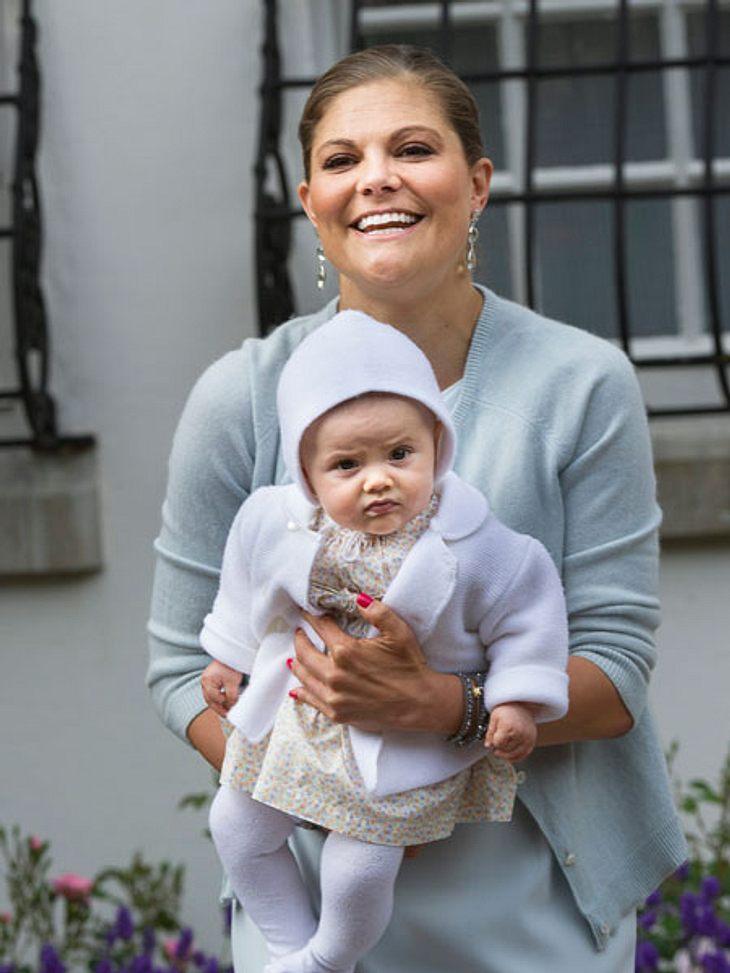 Überglücklich an ihrem 35. Geburtstag: Prinzessin Victoria mit ihrer kleinen Estelle.