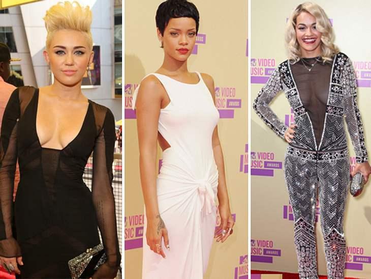 Die MTV Video Music Awards zeigen nicht nur, wer in Sachen Musik absolut top ist, sondern auch, wer modemäßig ganz vorne dabei ist.Meist überbieten sich die Promis mit engen, tief dekolletierten, knappen oder in jeder weiteren Hinsicht ausg