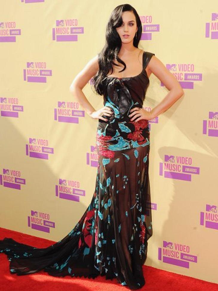 Der Style der VMA 2012: Tops & FlopsKaty Perry (27) überzeugt mit ihrem ausgefallenen Outfits fast immer. Die Robe von Elie Saab mit Blumenmuster, Lederdetails und durchsichtigem Rockteil ist nicht der übliche Look des Stars, aber denno
