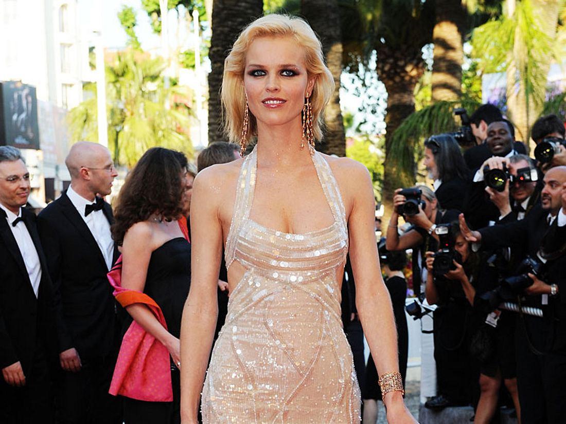 Eva Herzigova oder Donatella Versace - wem steht das Kleid besser?
