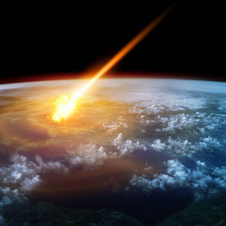 Droht Der Nächste Weltuntergang Asteroid Rast Auf Die Erde Zu