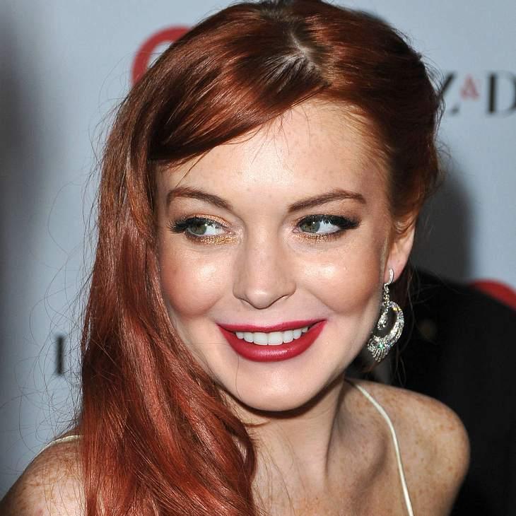 Lindsay Lohan bald Stripperin?