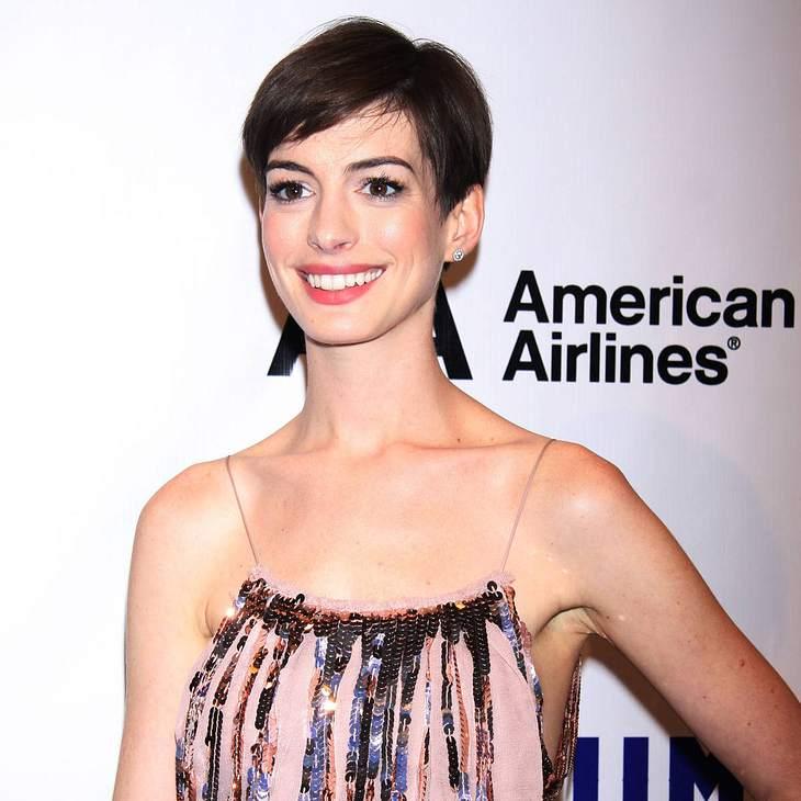 Anne Hathaway zeigt alles