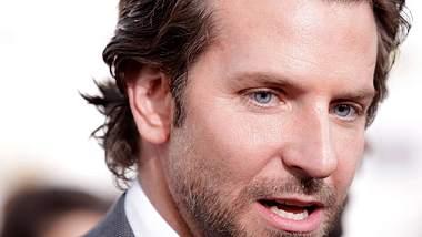 Bradley Cooper lädt Mama zu den Oscars ein