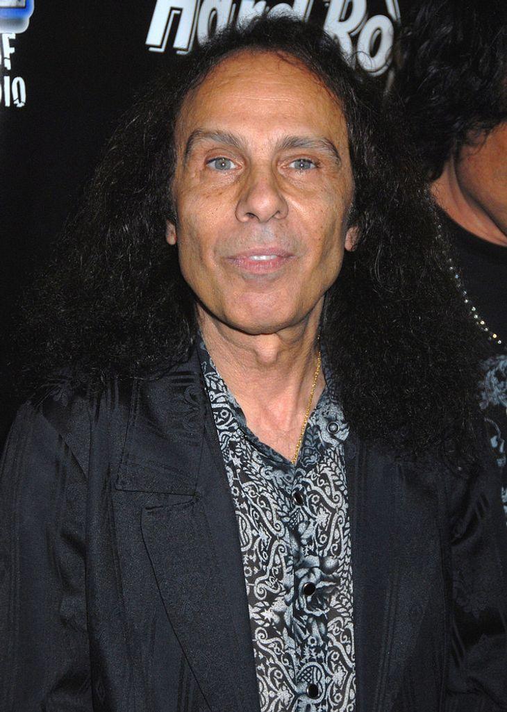 Ronnie James Dio gewinnt Krebs-Kampf