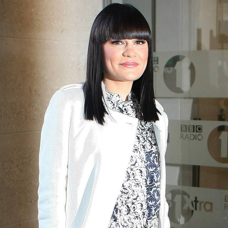 Jessie J überrascht mit Glatze