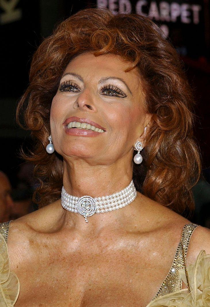 Sophia Loren tauft neues Schiff