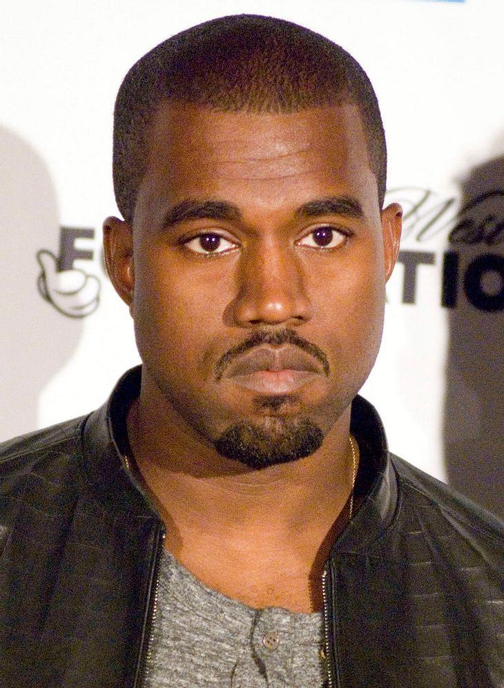 Kanye West spielt neue Tracks mit John Legend am Piano