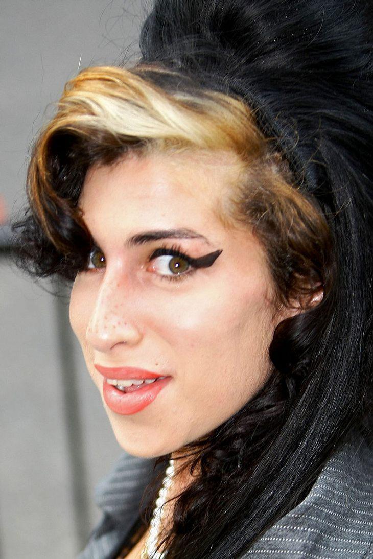 Winehouse: Date mit Ex James