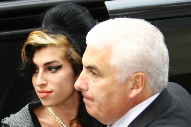 Mitch Winehouse hat Gallensteine