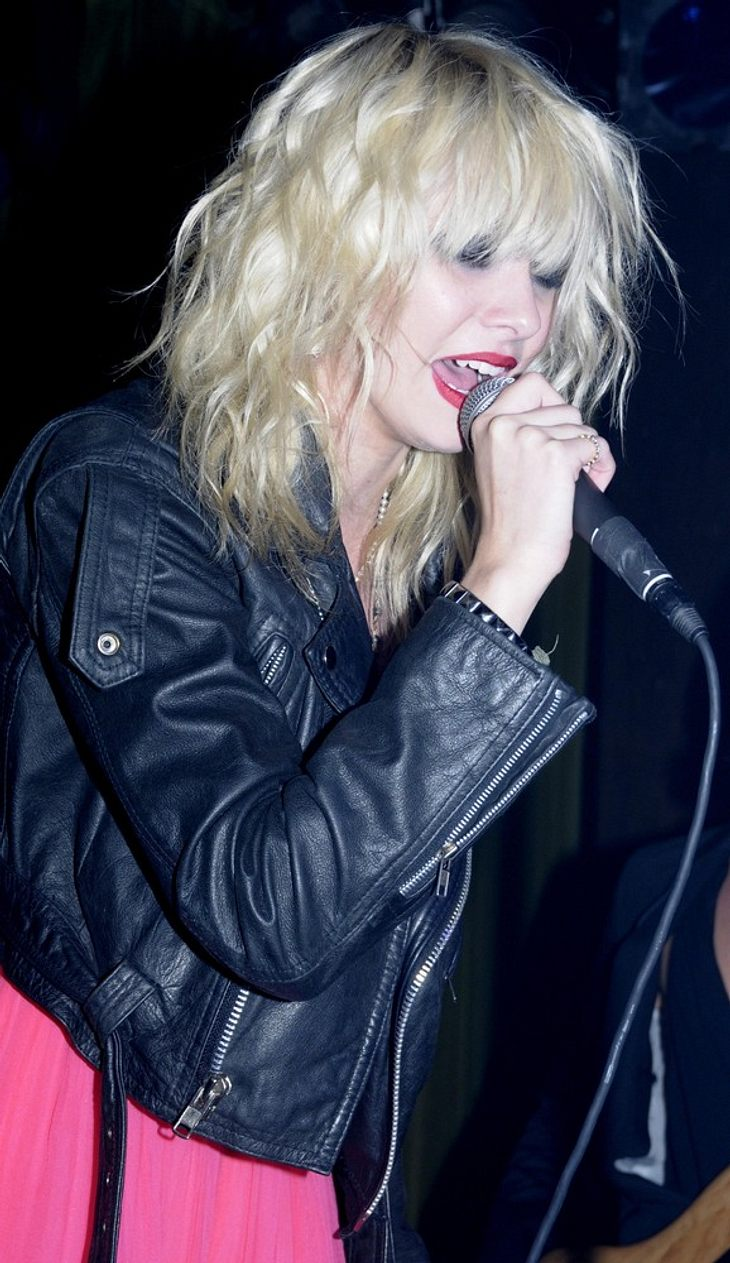"Momsen singt bei ""Vogue""-Party"