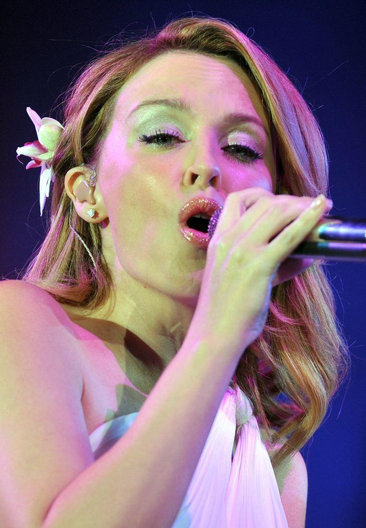 Minogue und Lewis spenden Highheels für guten Zweck