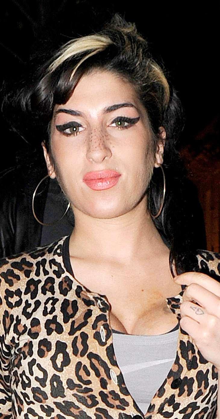 Amy Winehouse modelt für eigene Modelinie