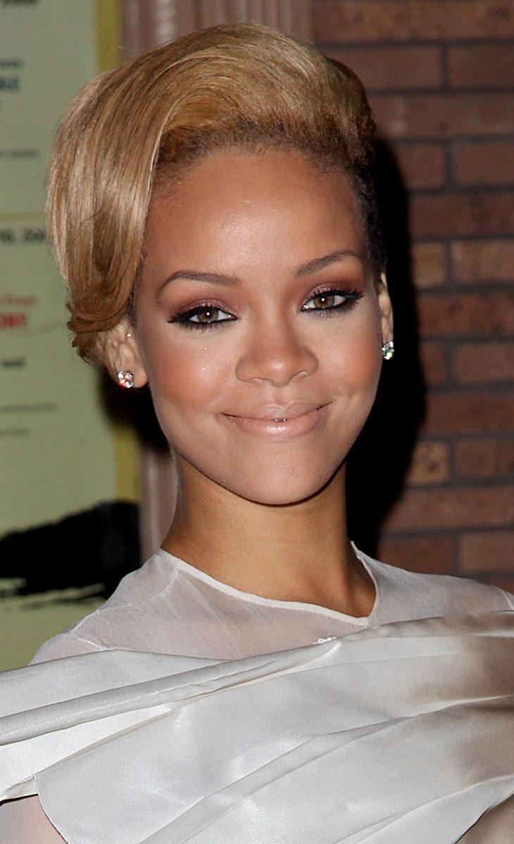 "Rihanna als ""Glamours"" Frau des Jahres geehrt"