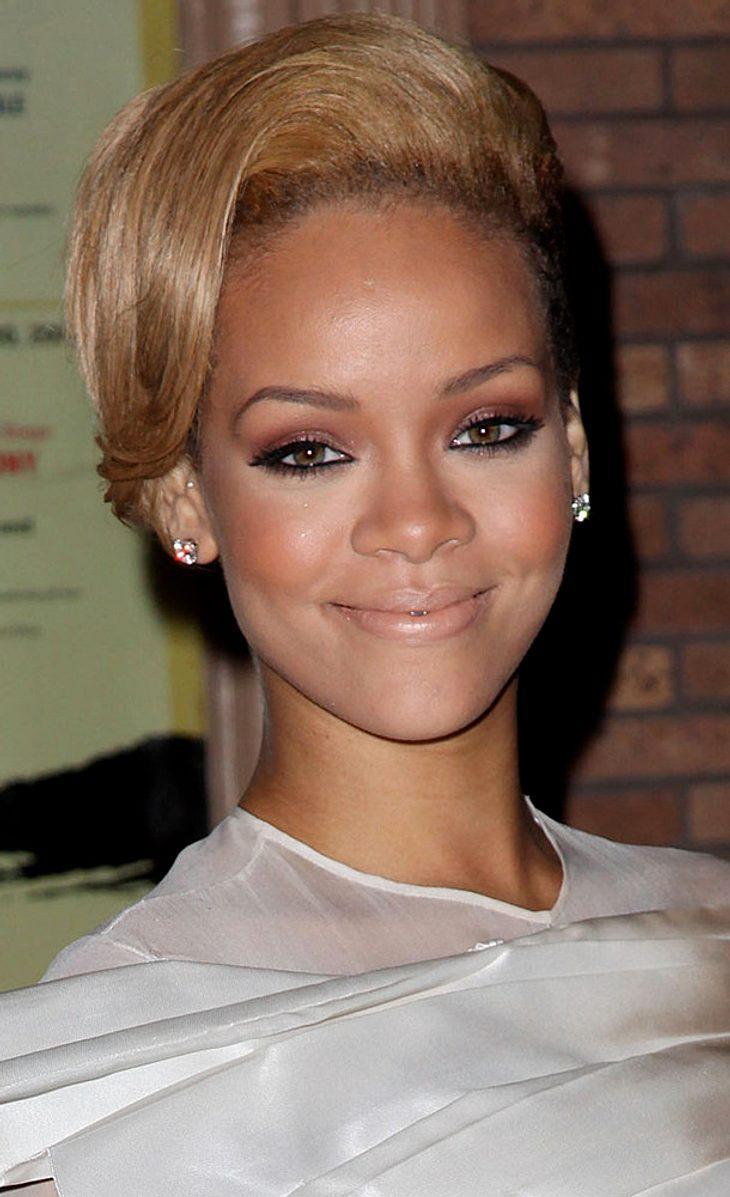 "Rihanna ""nervös"" wegen bevorstehender Solo-Show"