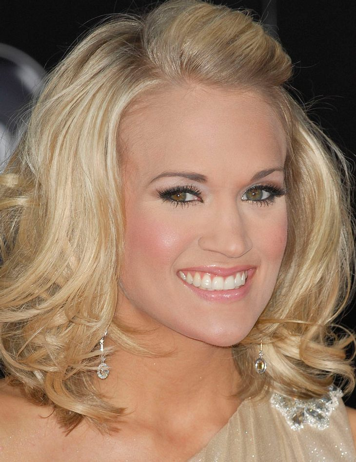 Carrie Underwood verlobt