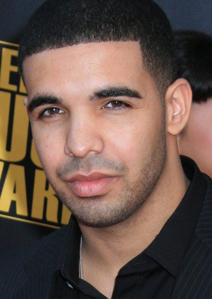 Drake erfüllt Kindern Weihnachtswünsche