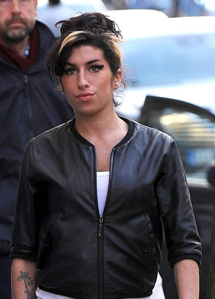 Amy Winehouse wieder im Krankenhaus