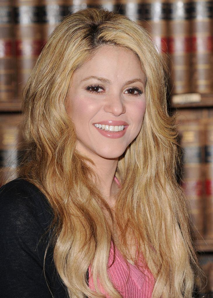 Shakira: Fußballshirts für guten Zweck