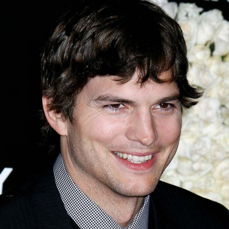 """Ashton Kutcher verlängert bei """"Two an a Half Men"""""""