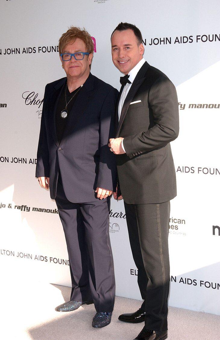 Elton John sammelt Millionen mit Oscar-Party