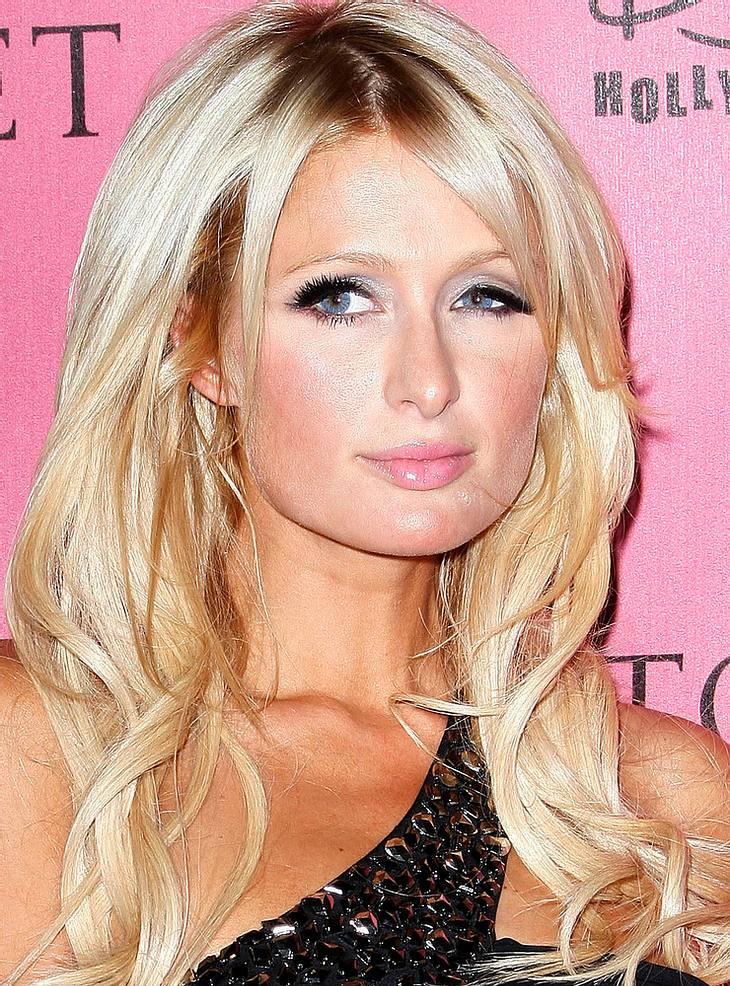 Paris Hilton versetzte sich für neues Parfum in Marilyn Monroe