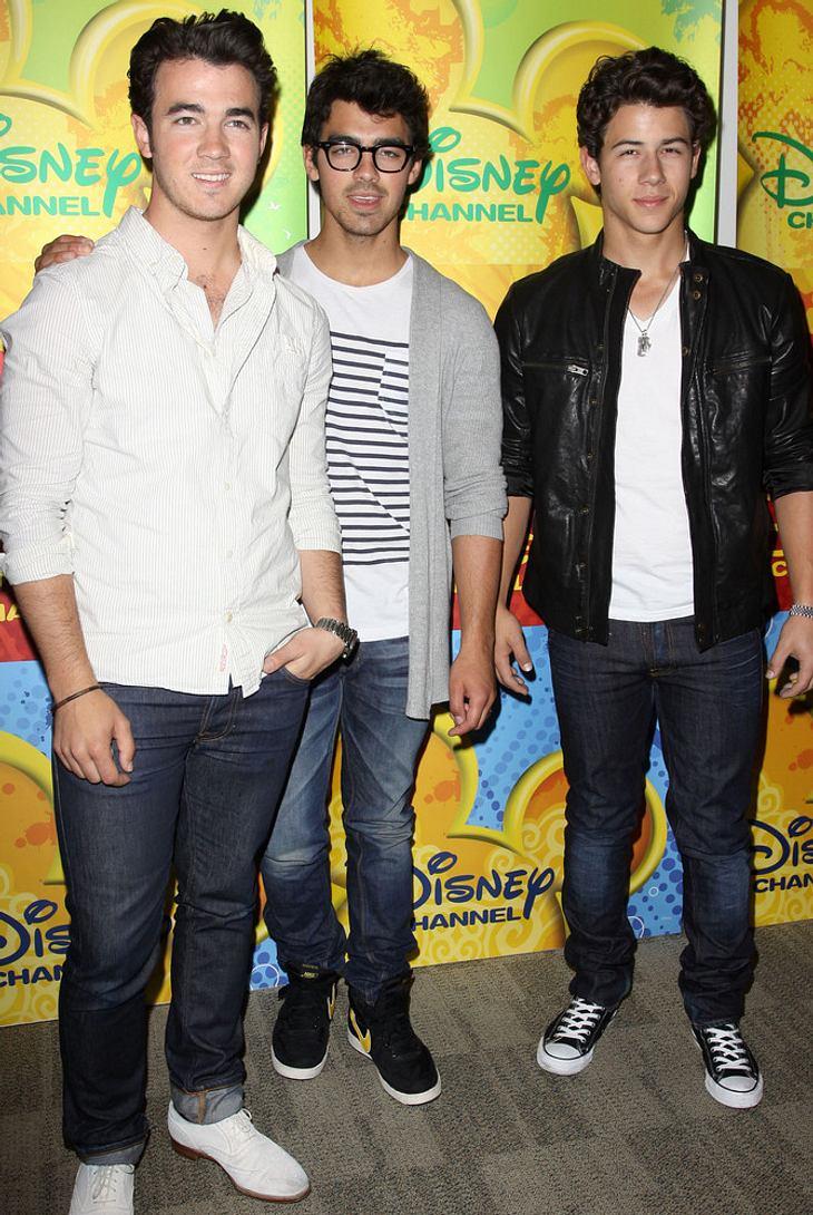 Fan stürmt bei Jonas Brothers-Show auf die Bühne