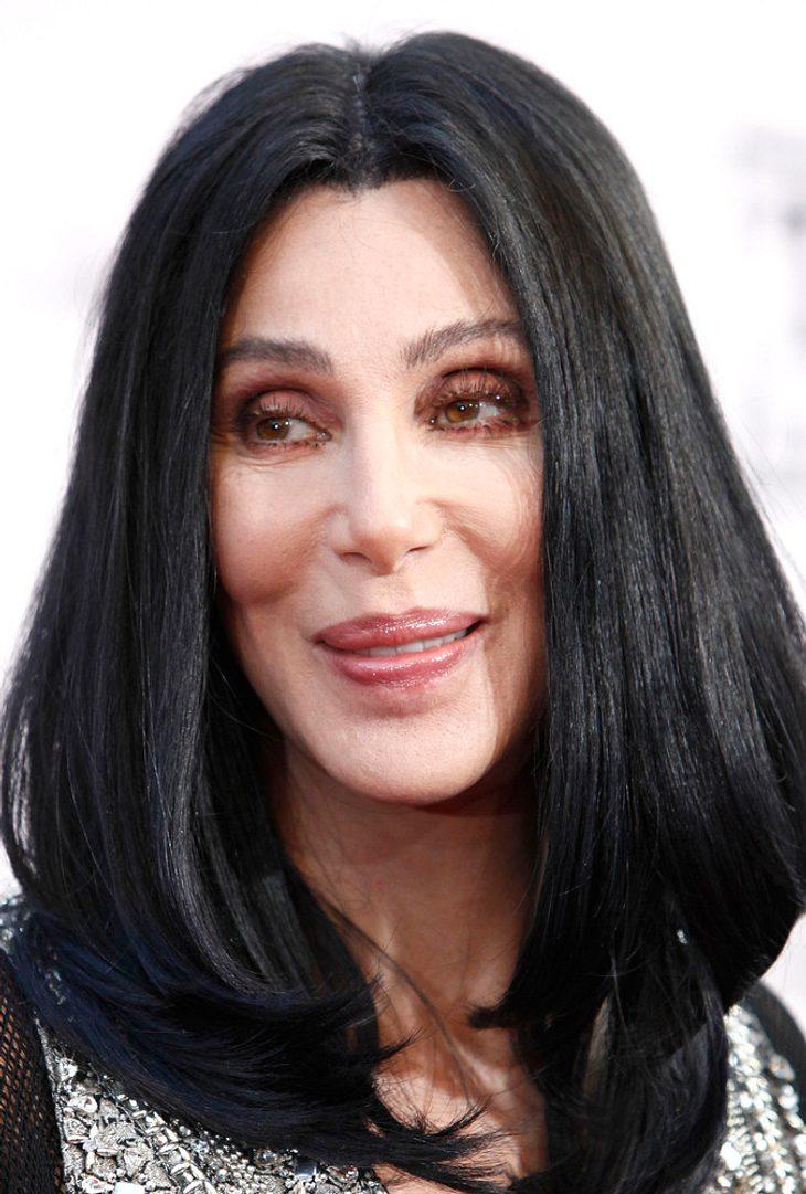 Cher kämpft mit Zeh-Verletzung