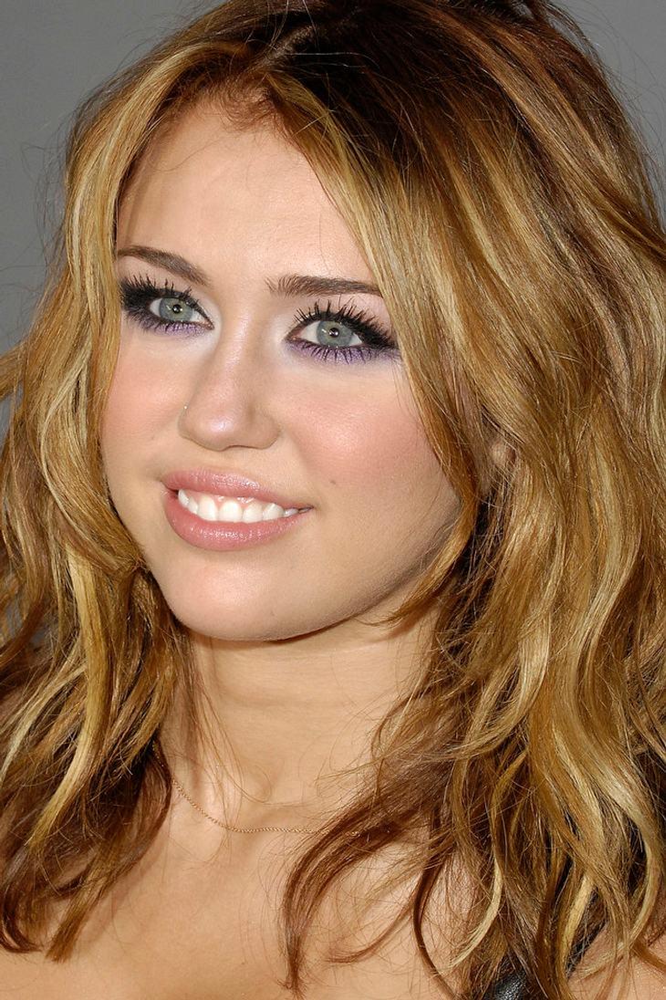 """Miley Cyrus' Schwester begeistert von """"tollem Kerl"""" Liam Hemsworth"""