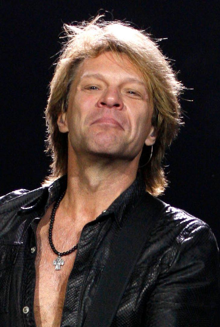 Bon Jovi spielt mit verletztem Wadenmuskel