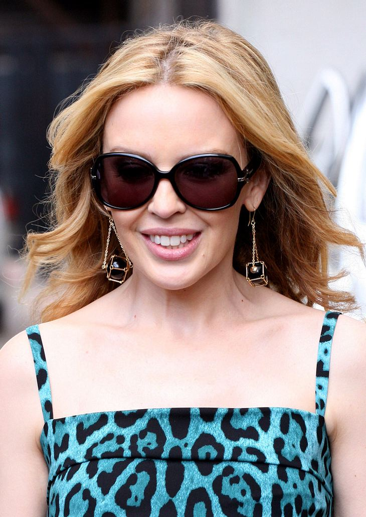Kylie Minogue besucht Baby-Neffen in Melbourne