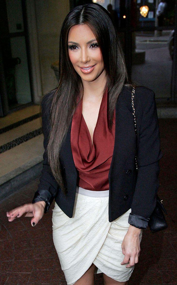 Kim Kardashian sorgt im Louvre für Trubel